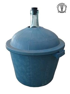 Бутыль в пластиковой корзине 50 л с пробкой - фото 15443
